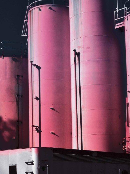 Magenta silos